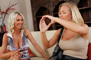 Emma Starr, Nicole Aniston & Billy Glide in 2 Chicks Same Time - 2 Chicks Same Time - Sex Position #3