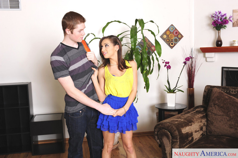 Sara Luvv Jake Taylor In Fast Times Naughty America Se Position