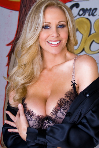 Julia Ann & Tony DeSergio in Housewife 1 on 1 - Naughty America - Centerfold