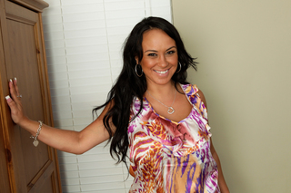 Horny Housewife Mariah Milano knows how to take care of her man from Naughty America