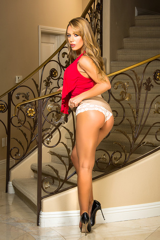 Nicole Aniston & Chad White in My Dad's Hot Girlfriend - My Dad's Hot Girlfriend - Centerfold