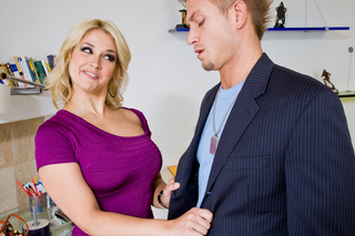 Guy fucks his dads hot blonde girlfriend from Naughty America