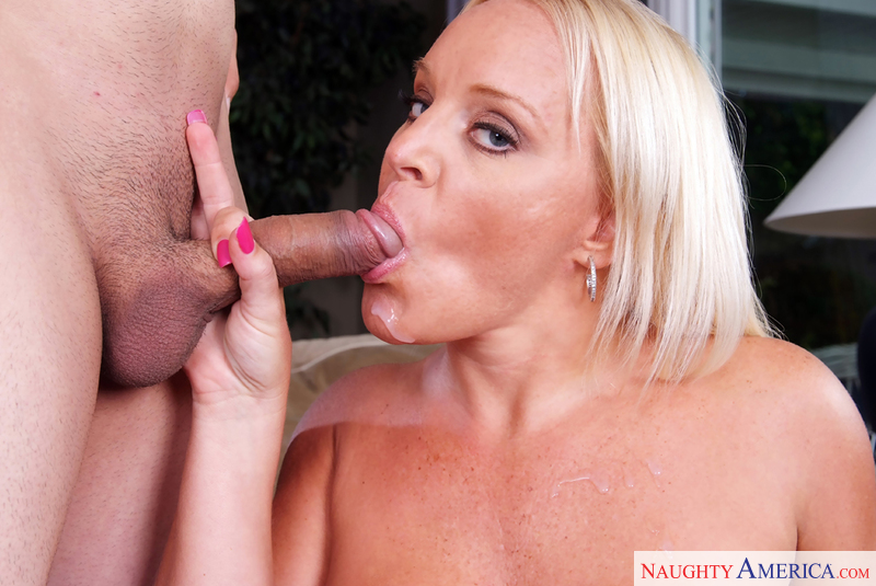 da vids huge tits milf sucks and fucks.