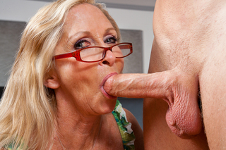 Hot milf gets her wet pussy fucked from Naughty America
