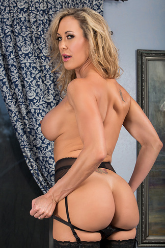 Brandi Love & Giovanni Francesco in My Friend's Hot Mom - My Friend's Hot Mom - Centerfold