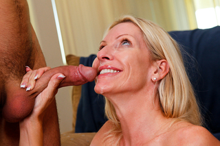 Hot milf Emma Starr loves young cock from Naughty America