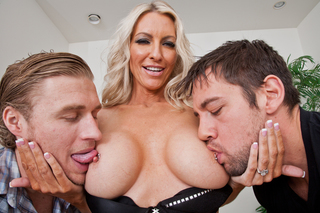 Emma Starr & Johnny CastleMichael Vegas in My Friend's Hot Mom - Naughty America - Sex Position #4