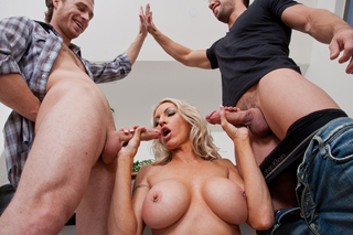 Emma Starr & Johnny CastleMichael Vegas in My Friend's Hot Mom - Naughty America - Sex Position #5