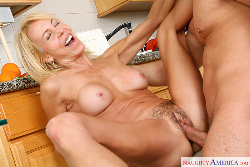 Milf loves young dick