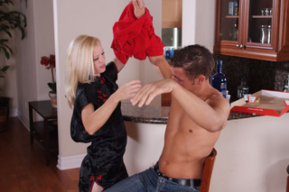 Chris Johnson & Heidi Hanson in My Friend's Hot Mom - Naughty America - Sex Position #2