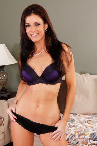 India Summer & James Deen in My Friend's Hot Mom - Naughty America - Centerfold