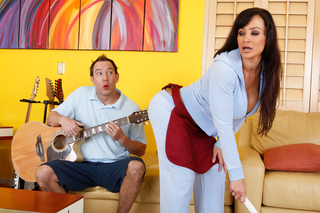 Lisa Ann gives up her ass to a rocker from Naughty America
