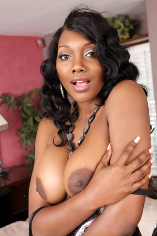 Nyomi Banxxx & Bill Bailey in My Friend's Hot Mom - Naughty America - Centerfold
