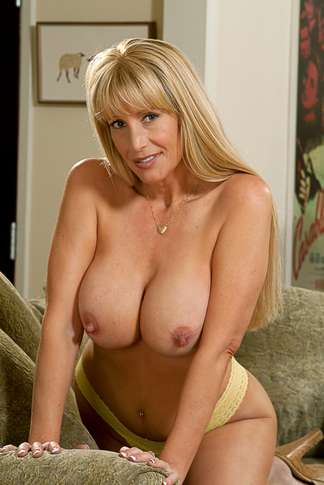 Danny Wylde & Olivia Parrish in My Friend's Hot Mom - Naughty America - Centerfold