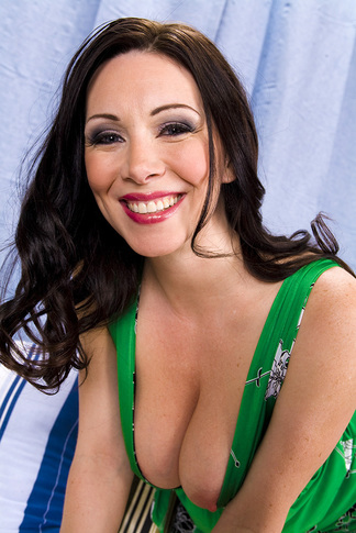 Rayveness & Jenner in My Friend's Hot Mom - Naughty America - Centerfold