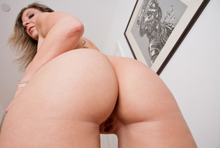 Sara Jay & Johnny Castle in My Friend's Hot Mom - Naughty America - Sex Position #1