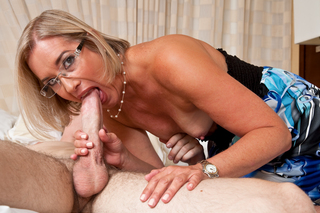 Sexy Suz seduces her sons best friend from Naughty America