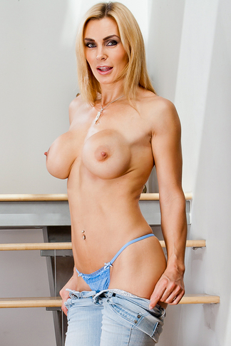 Johnny Castle & Tanya Tate in My Friend's Hot Mom - Naughty America - Centerfold