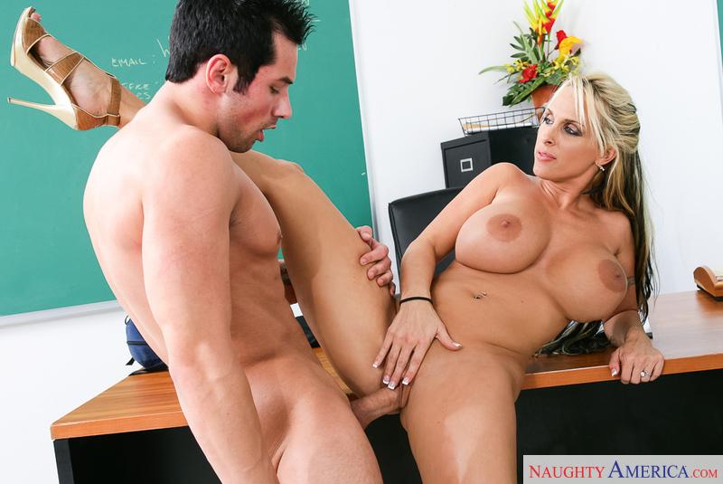 Holly Halston Sex