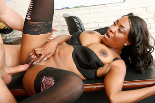 Sincerre Lemmore gives up the juicy black booty from Naughty America