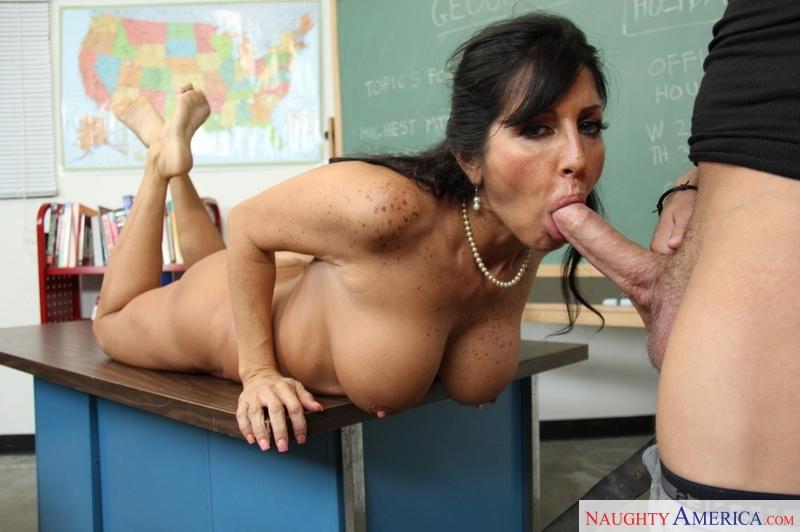 Tara holiday teacher