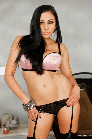 Audrey Bitoni & Tommy Gunn in My Wife's Hot Friend - Naughty America - Centerfold