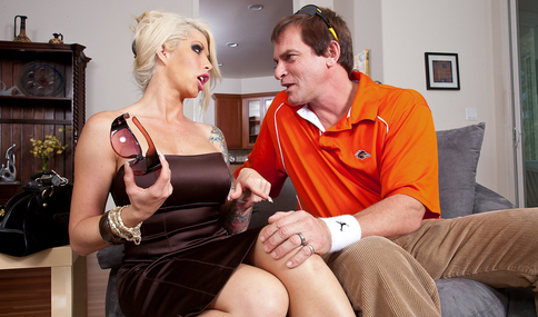 Brooke Haven & Evan Stone in My Wife's Hot Friend - Naughty America - Sex Position #4