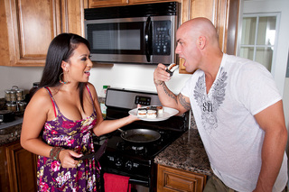 Kayme Kai gives up the spicy Island Girl treats from Naughty America
