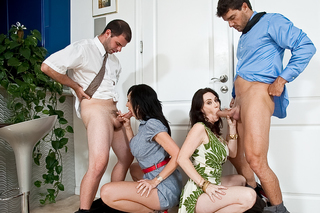 Alia Janine, Ralph Long, Ramon Nomar & Rayveness in Seduced By A Cougar - Naughty America - Sex Position #4