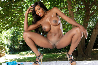 Diamond Jackson sucks and fucks a guys cock from Naughty America