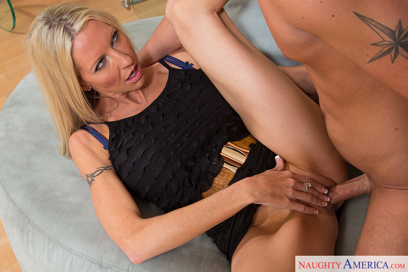 Cougars want to fuck