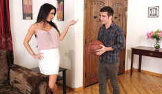 Jessica Jaymes & Logan Pierce in Seduced by a Cougar - Naughty America - Sex Position #1
