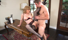 Nina Hartley – Seduced By A Cougar