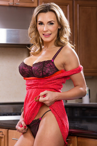 Tanya Tate & Alan Stafford in Seduced by a Cougar - Seduced by a Cougar - Centerfold