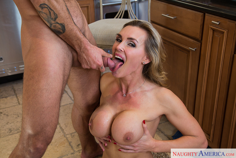 Blonde tanya hansen gets fucked by two guys