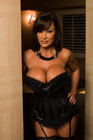 Lisa Ann & Logan Pierce in Tonight's Girlfriend - Tonight's Girlfriend - Centerfold