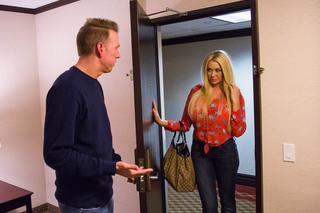Summer Brielle & Mark Wood in Tonight's Girlfriend - Tonight's Girlfriend - Sex Position #1