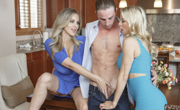 Alexis Fawx & Julia Ann - Sex Position #2