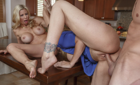 Alexis Fawx & Julia Ann - Sex Position #8