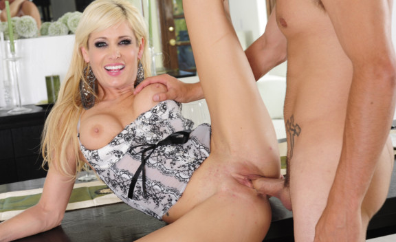 Mikki Lynn - Sex Position #10