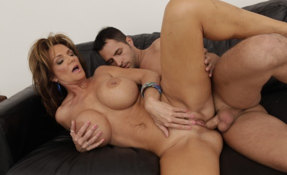 Deauxma - Sex Position #4